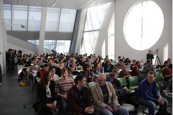 Participantes al LGM en la sala de plenarios del encuentro. Manuel Schmalstieg CC-by 3.0