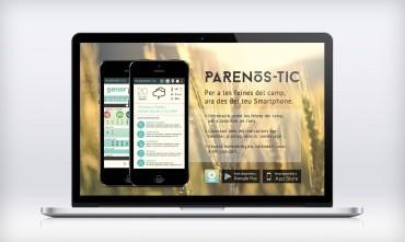 Ordenador con la web de descarga de Parenòs-tic