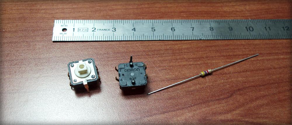 2 pulsadores Omron B3F con sendas resistencias de 4.7 kΩ