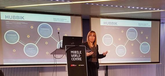 Mireia Riera durante su charla: Hubbik. L'ecosistema innovador d'emprenedoria de la UOC. HackForGood 2016 Barcelona. Foto: Antoni Marín Amatller.